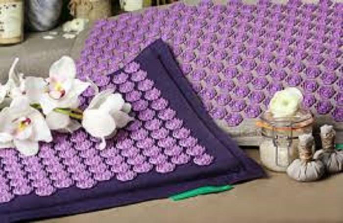 choisir son tapis d'acupression champ de fleur